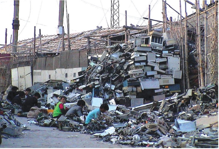 Phế liệu điện tử gây hại môi trường