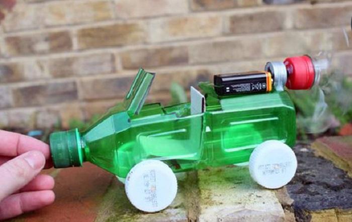 đồ chơi làm từ chai nhựa
