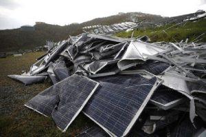 pin năng lượng mặt trời cũ