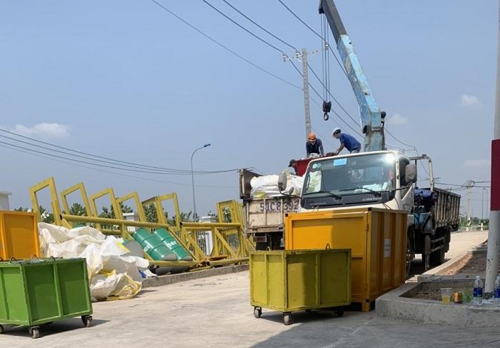 Vựa phế liệu KCN Việt Hương